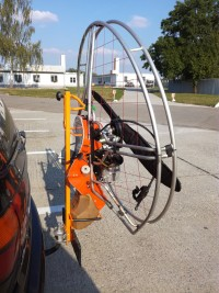 Carrier for car towbar - suitable for paramotor Nirvana Rodeo Carrier for car towbar - suitable for paramotor Nirvana RodeoDržák paramotoru Rodeo za auto